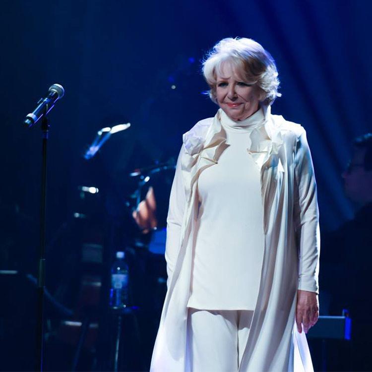 Shirley Théroux sur scène